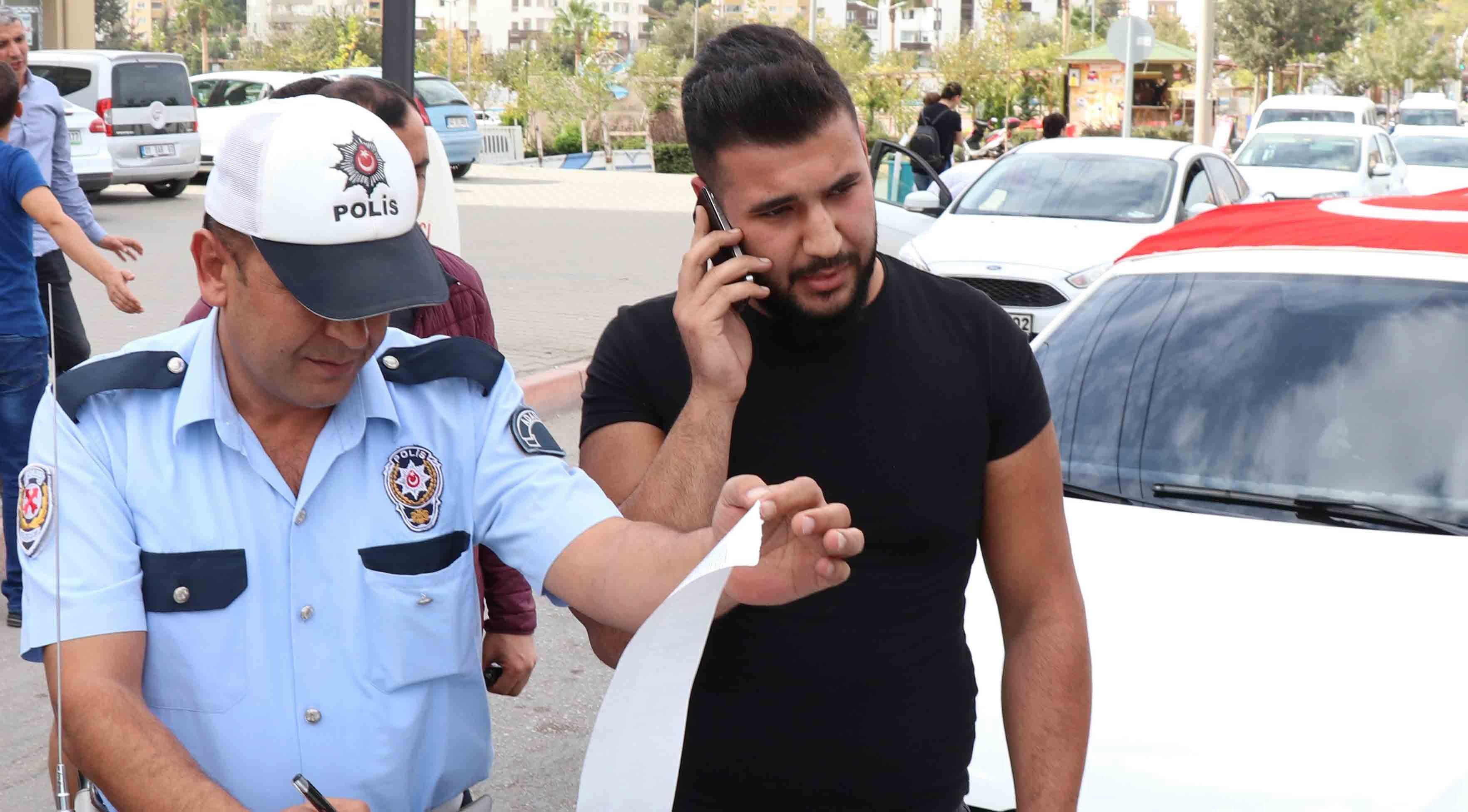 Adanalılar cam filmi yasağını protesto etti