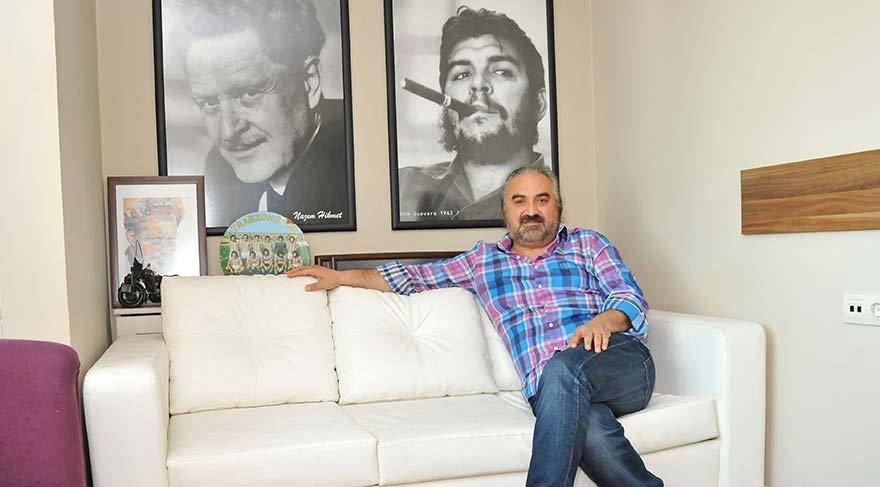 Konak'ın ofisinde ünlü şair Nazım Hikmet ve Küba'nın özgürlük savaşçısı Che Guevera'nın fotoğrafları da var.