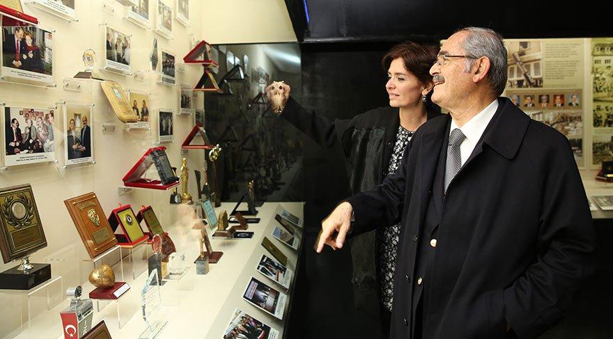 Büyükerşen, projelerini Özlem Gürses'e anlattı.