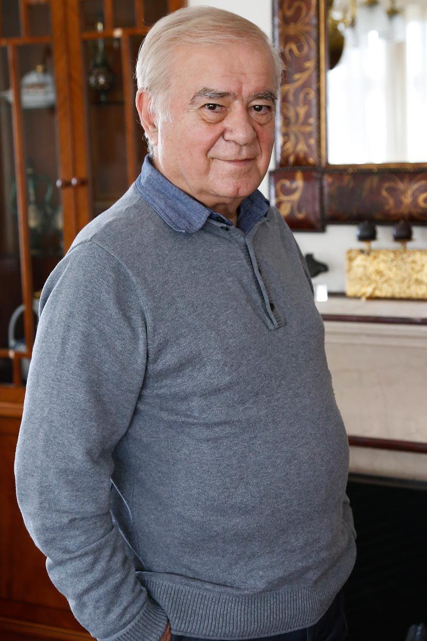 Usta gazeteci Rahmi Turan 1 yılda 3 kitap çıkardı.