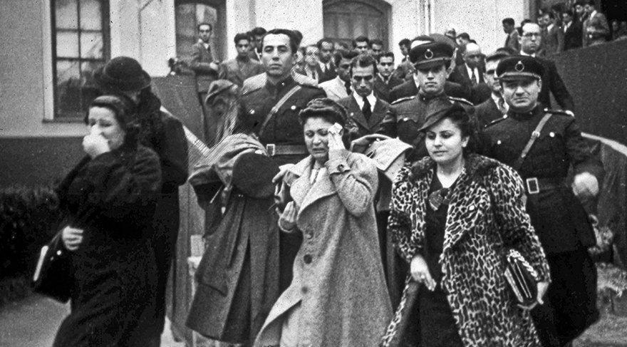 Türk Milleti, Atatürk'e böyle veda etti. Aradan 79 yıl geçti, gözyaşları dinmedi.