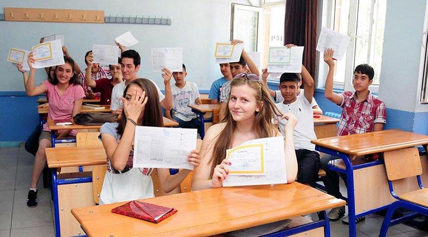 15 tatil ne zaman? Karneler ne zaman verilecek? Öğrencilerin sömestır hazırlığı başladı