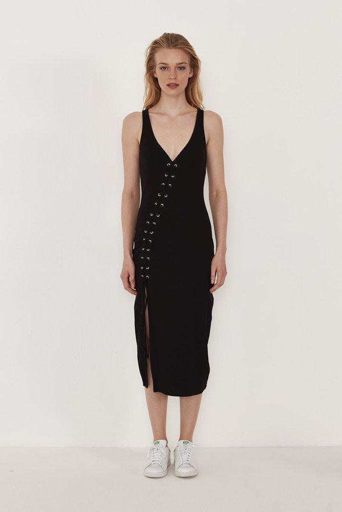LOL-Official markasına ait elbise.