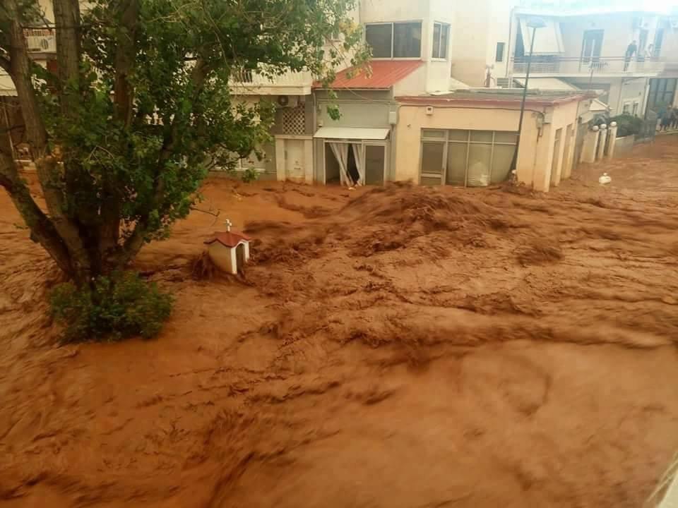 Atina'da sel felaketi: Ölü sayısı yükseliyor