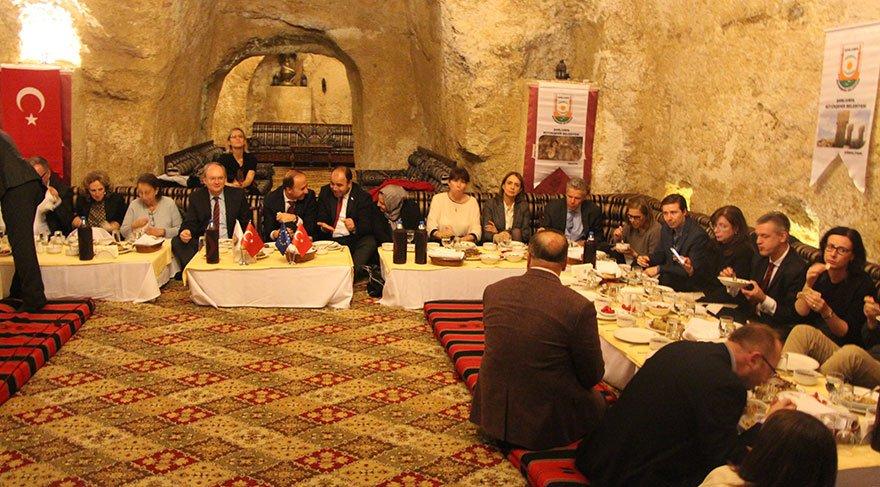 AB Büyükelçileri Şanlıurfa'da sıra gecesine katıldı
