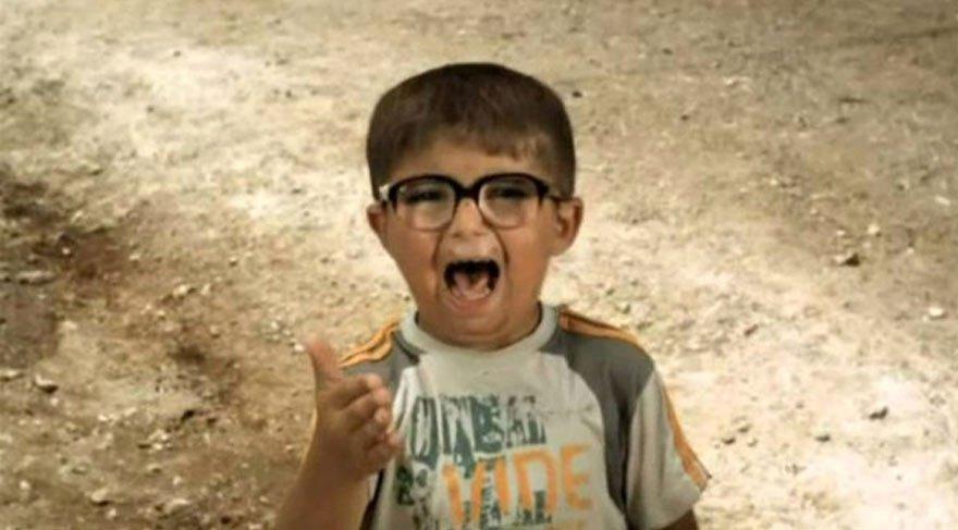 Bu çocuk ne ara büyüdü! Ay Lav Yu filminin kendini tokatlayan çocuk oyuncu bu hale geldi