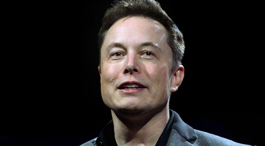 Elon Musk yapay zekaya karşı yine uyardı