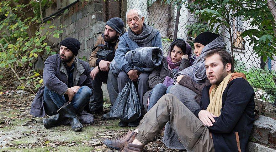 Genco Erkal, göçmenlerin sorunlarını tiyatroya taşıdı