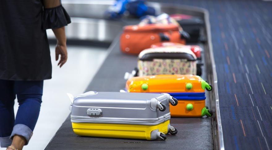 Uçakta bavulunuzu ilk almanın sırrını açıkladı