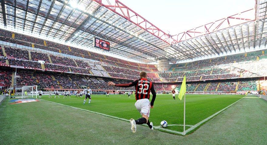 Kariyerinde sayısız başarıları olan Beckham bir dönem Milan forması da giydi. Ünlü futbolcu unutulmaz duran top atışları ile hatırlanıyor.