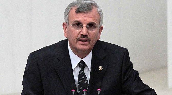 Cumhurbaşkanı Erdoğan'ın özel doktoru AKP eski milletvekili ve Sağlık Bilimleri Üniversitesi Rektörü Prof. Cevdet Erdöl