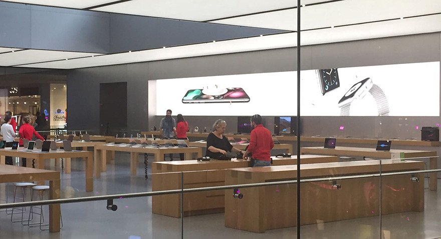Apple Store'da iPhone X tenhalığı