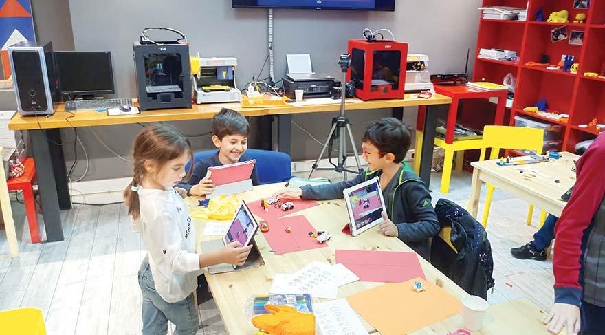 Geleceği şekillendirecek çocuklar algoritmayla tanışıyor