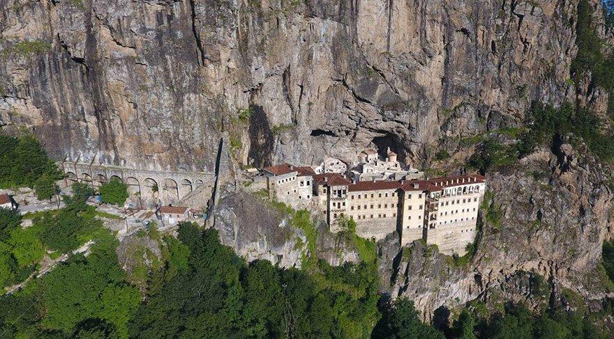 Tarihi Sümela Manastırı'na makyaj