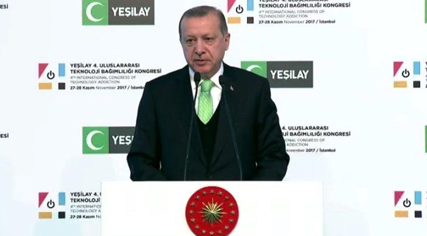 Erdoğan'dan teknoloji bağımlılığına 'Mekkeli ve özçekimli' örnek