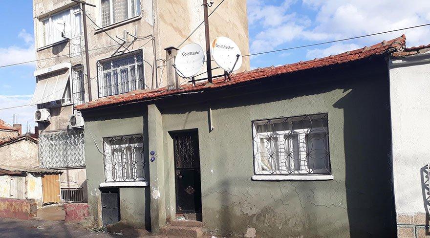 İki kardeş, evlerinde ölü bulundu