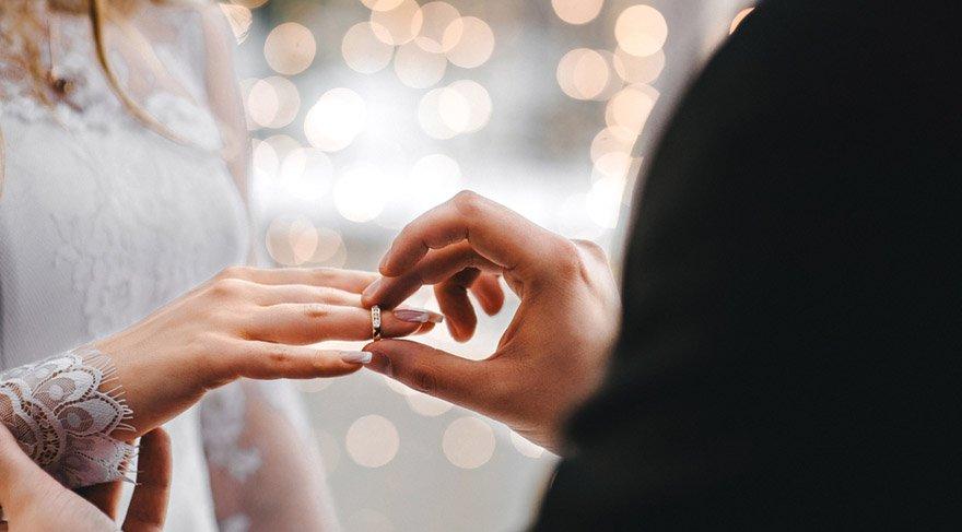 Bugünler evlenme teklif etmek, evlenmek, sözlenmek, nişanlanmak için de çok uygundur.