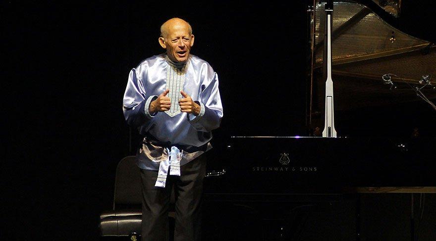 Usta piyanist David Helfgott İstanbul'da ayakta alkışlandı