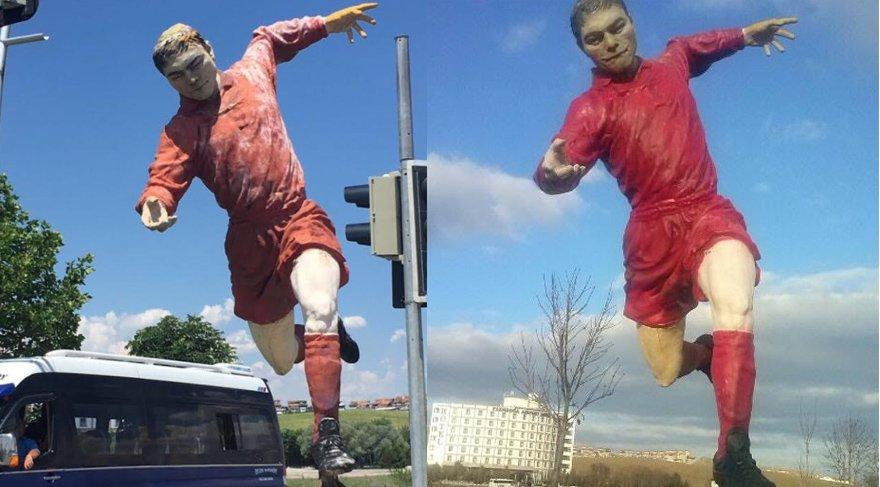 Melih Gökçek'in futbolcu heykelleri de kaldırıldı