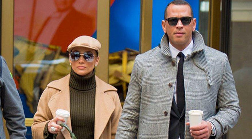 Jennifer Lopez'in stili dikkat çekti