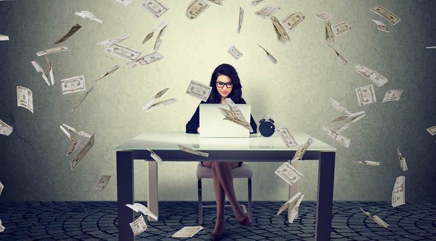 Terazi: Finansal konular gündemde olmaya başlayacak. Kazançlarınızı arttırabileceğiniz koşullarla karşılaşabileceksiniz. Bu konuda daha hırslı da davranabilirsiniz. Ya hep ya hiç mantığında hareket etmek isteyebilirsiniz.