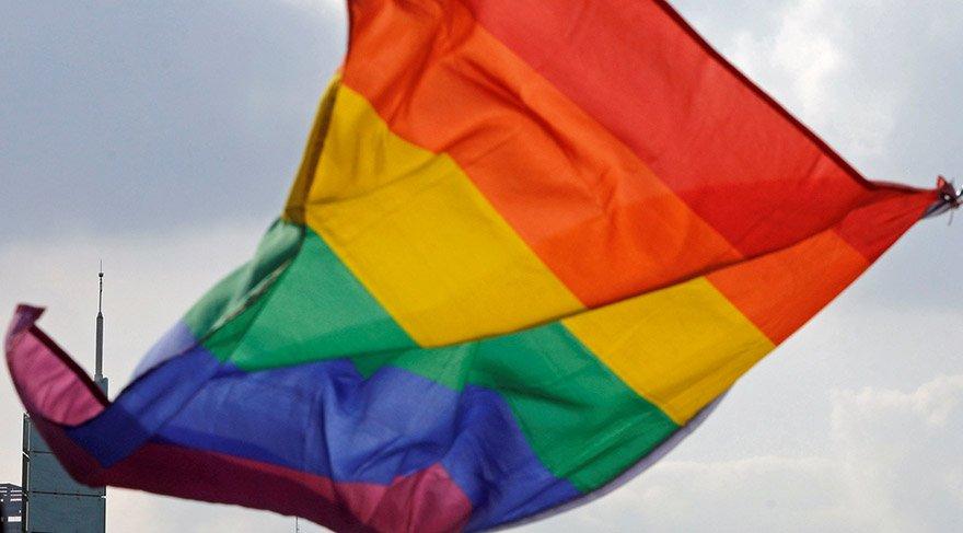 """Avustralya eşcinsel evliliğe """"evet"""" dedi"""