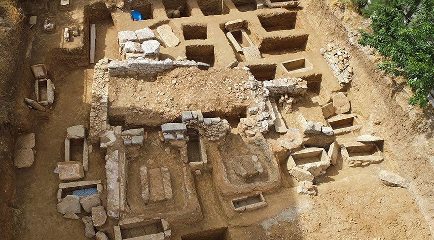 Milas'ta ölüler şehri bulundu