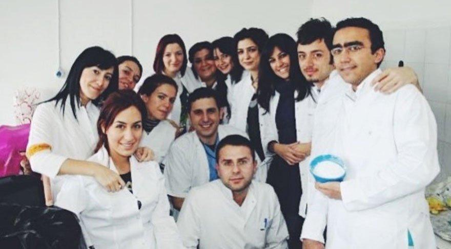 Mabel Matiz 'Diş Hekimleri Günü'nü kutladı