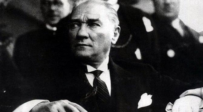 Ulu Önder'i anıyoruz: 10 Kasım ile ilgili şiirler ve Atatürk sözleri! İşte en anlamlı Atatürk şiirleri ve sözleri