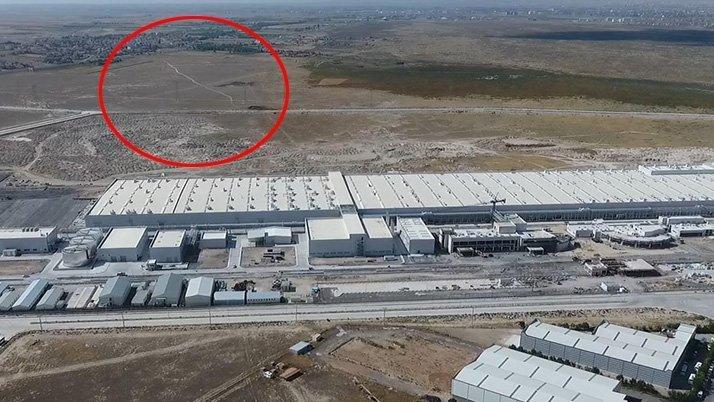 Yerli otomobilin nerede üretileceği hala belli değil. Aksaray'da üretilirse Organize Sanayi Bölgesi'ndeki 1000 dönümlük bu arazi şirkete bedelsiz tahsis edilecek.