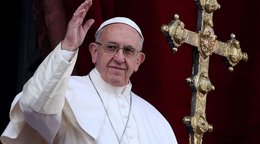 Papa: Şeytan gerçek bir insan