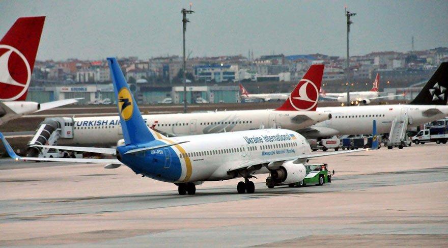 Atatürk Havalimanı'nda iki uçağa bomba ihbarı! İhbar boş çıktı