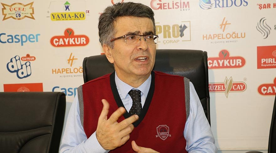 """RECEP TAYYİP ERDOĞAN ÜNİVERSİTESİ (RTEÜ) TIP FAKÜLTESİ ESKİ DEKANI PROF. DR. ŞABAN ŞİMŞEK, GÖREVDEN ALINMASI İLE İLGİLİ ÜNİVERSİTE REKTÖRÜ PROF. DR. HÜSEYİN KARAMAN'I SUÇLAYARAK """"YAKINDA GÖZ NAKLİNE BAŞLAYACAKTIK; REKTÖR BAŞARIYI KISKANDI"""" DEDİ."""