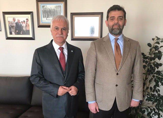 FOTO:DHA - Hasan Saka'ya Trabzon İl Başkanlığı görevi, İYİ Parti Genel Başkan Yardımcısı Koray Aydın tarafından takdim edildi.