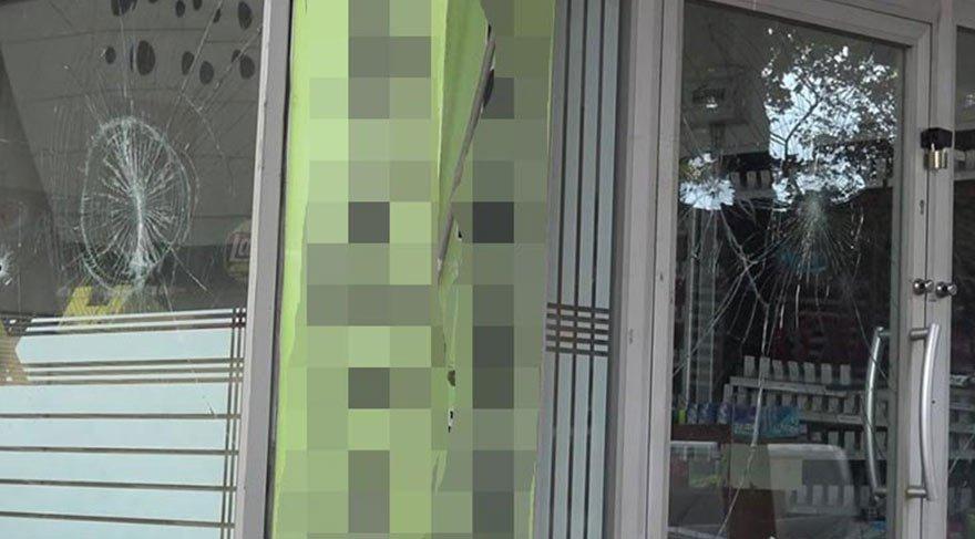 Tacizle suçlanan esnafın dükkanına kurşun yağdırdılar