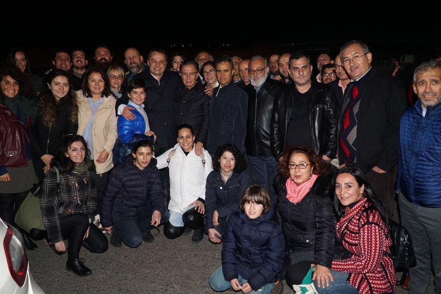 FOTO:SÖZCÜ - Gökmen Ulu'yu karşılamaya Sözcü çalışanları da geldi.