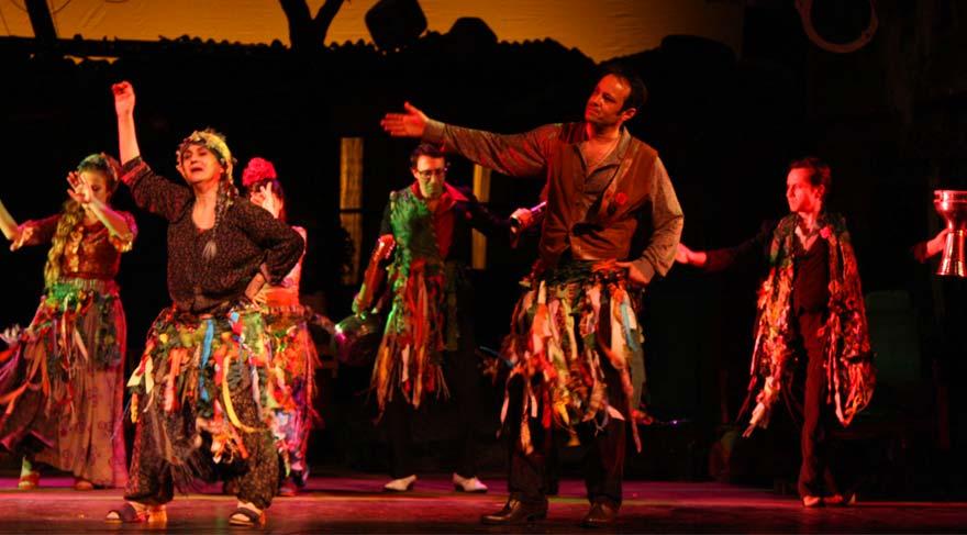Muammer Karaca Tiyatrosu'ndan 540 bini aşkın seyirci koparıldı