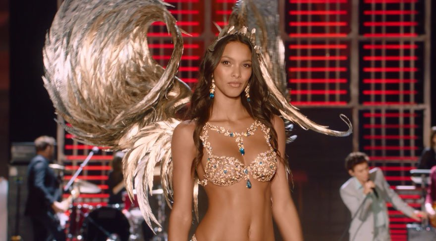 İşte Victoria's Secret'in merak edilen defilesi