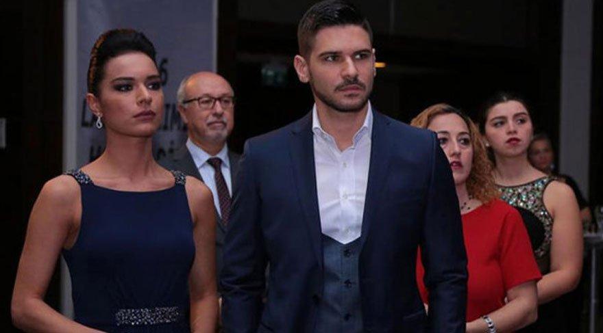 Şafak Pekdemir, başrollerini Tolgahan Sayışman ve Amine Gülşe'nin paylaştığı 'Asla Vazgeçmem' ile izleyici karşısına çıkmıştı.