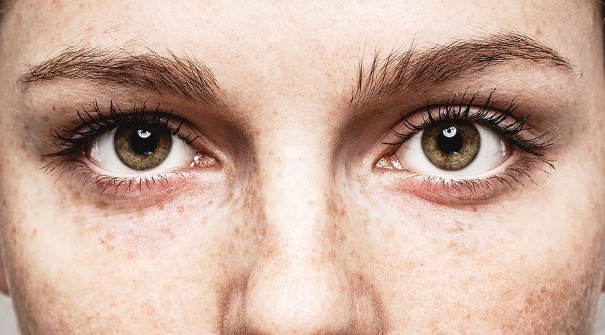 Göz rengi karakteri etkiler mi?