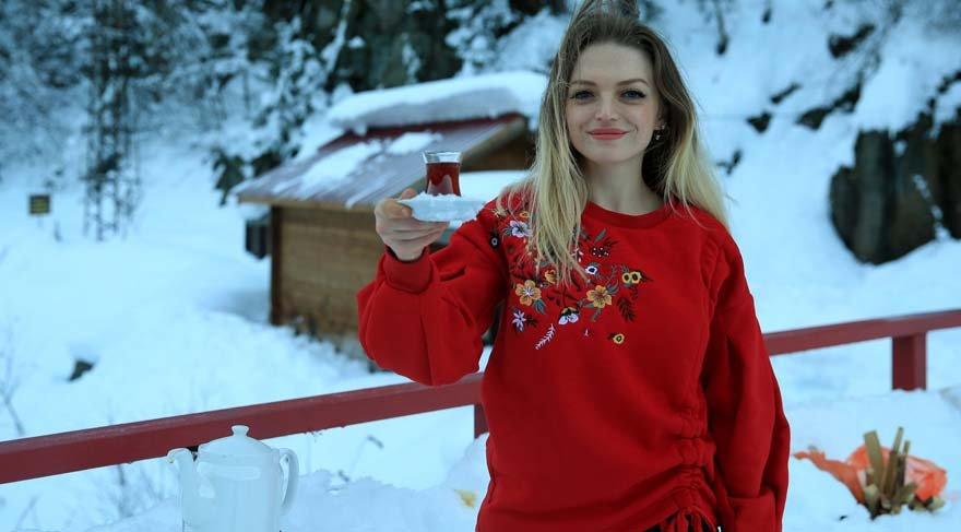 'Türkiye çay demleme birincisi'nden kar suyu ile çay demleme önerisi