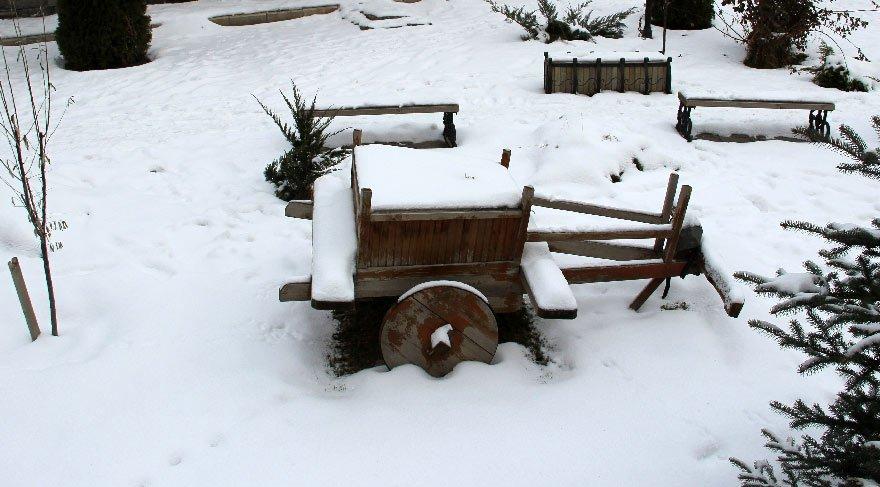 Doğu bölgesinde kar yağışı etkili şekilde devam ediyor