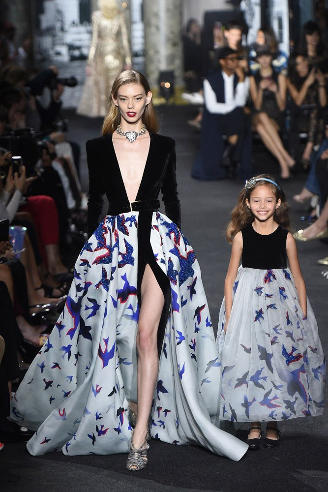 Elie Saab'ın 2016-2017 Sonbahar Kış haute couture koleksiyonuna ait tasarım...