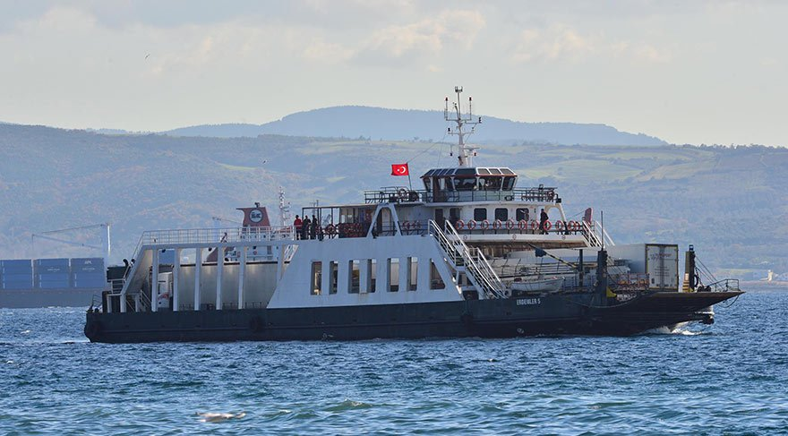 Feribot, çarptığı balıkçı teknesini batırdı: 1 kayıp