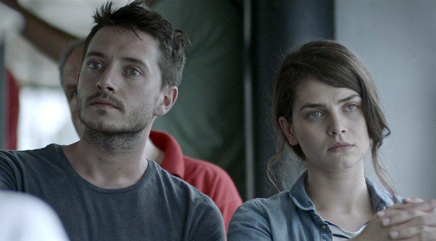 Ali, burada geçmişine dair izleri arayacaktır. Bosna'da yaşamını sürdüren Hana ise onu bu yolculuğunda yalnız bırakmayacaktır.