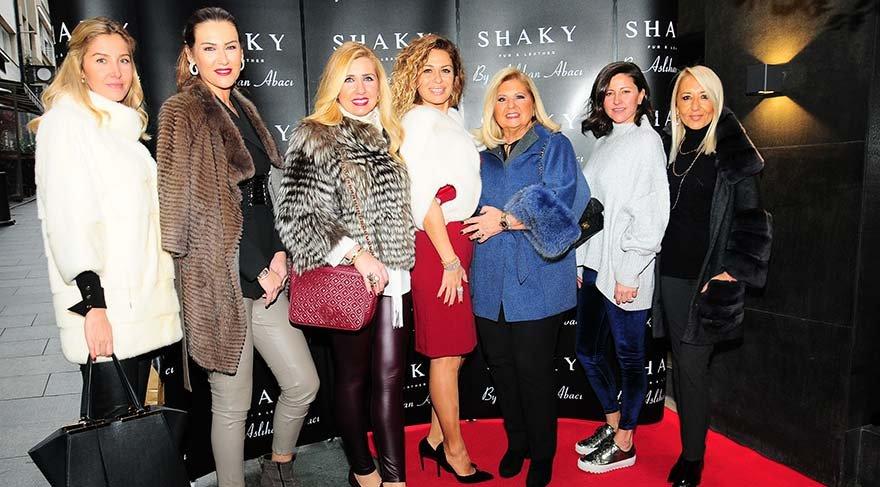 Shaky yeni yıl kokteylinde ünlü isimleri ağırladı