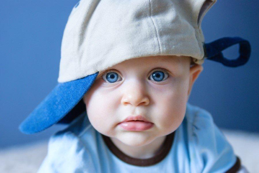Картинки прикольные дети в кепках
