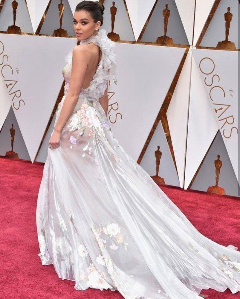 Hailee Steinfeld: Ralph&Russo elbisesi Steinfeld'i en çok aranan 2'nci elbise sırasına yerleştirmiş.