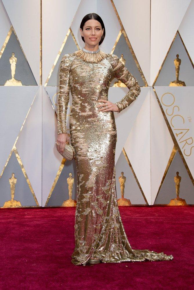 Jessica Biel, Kaufman Franco kıyafetiyle sıralamada 10'uncu sırada...