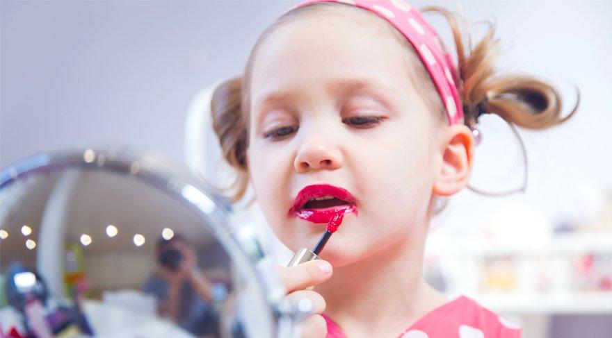 Claire's'in makyaj malzemelerinde kanserojen madde çıktı!